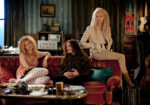 Only Lovers Left Alive_Mia Wasikowska