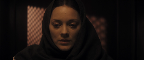 The Immigrant_Cotillard_confesionario